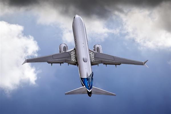 美国各大航空公司继续宣布停飞波音737 Max!