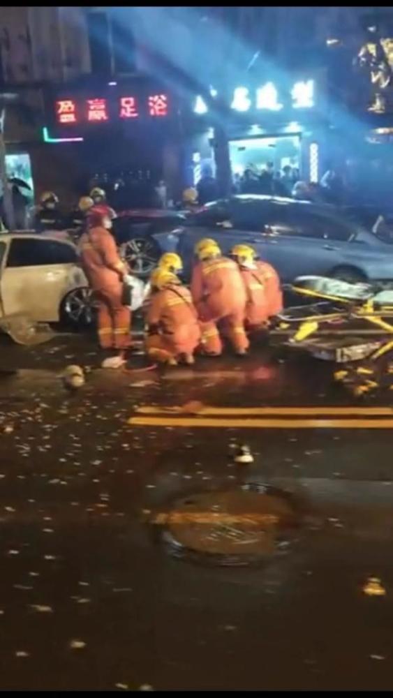 上海凉城路车祸2死5伤是怎么回事?上海凉城路视频 车祸事件始末