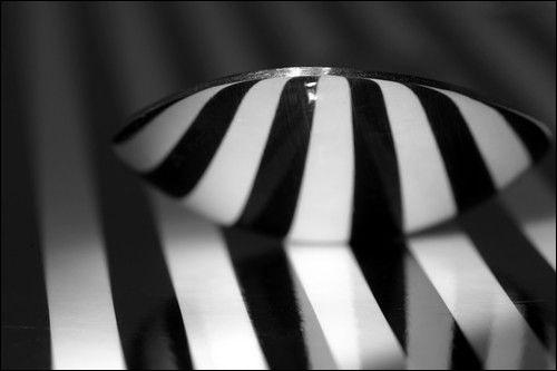 为你介绍黑白摄影的光源色调