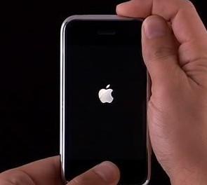 苹果开机出现白苹果卡机了怎么办